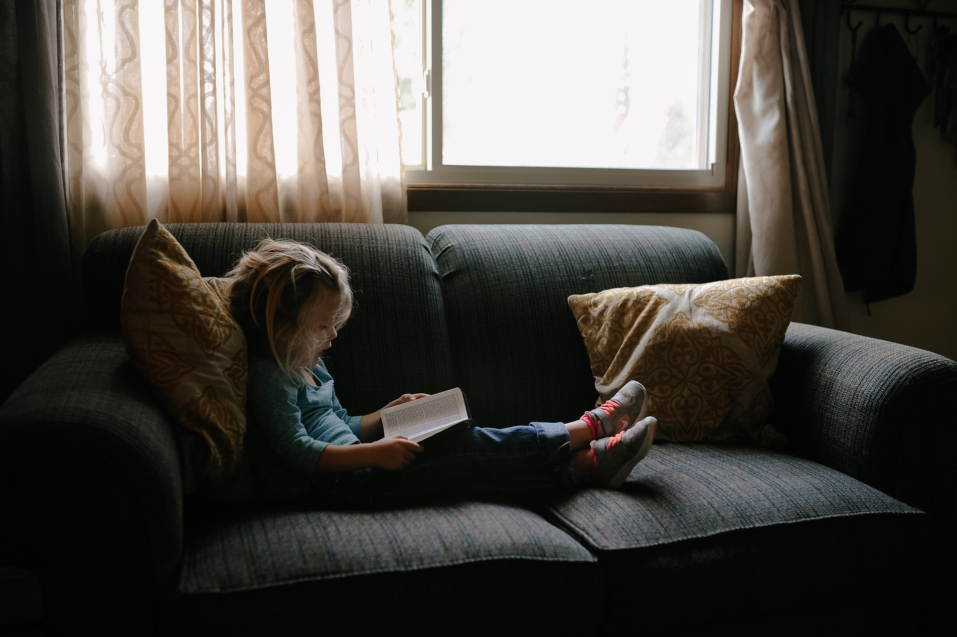 kid_reading